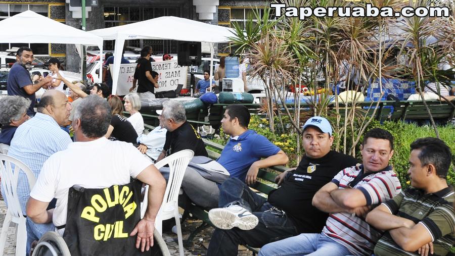 Policiais civis decidem novamente decretar greve