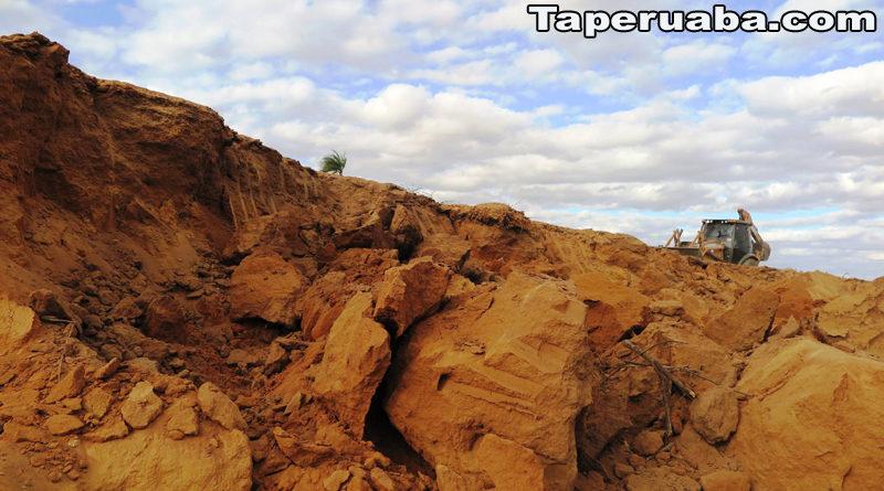 Meniino soterrado em Juazeiro do Norte