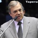 Aécio Neves desiste de reassumir a presidência do PSDB e Tasso é mantido como interino