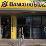 Camilo sanciona lei que estipula normas de seguranças para bancos no Ceará